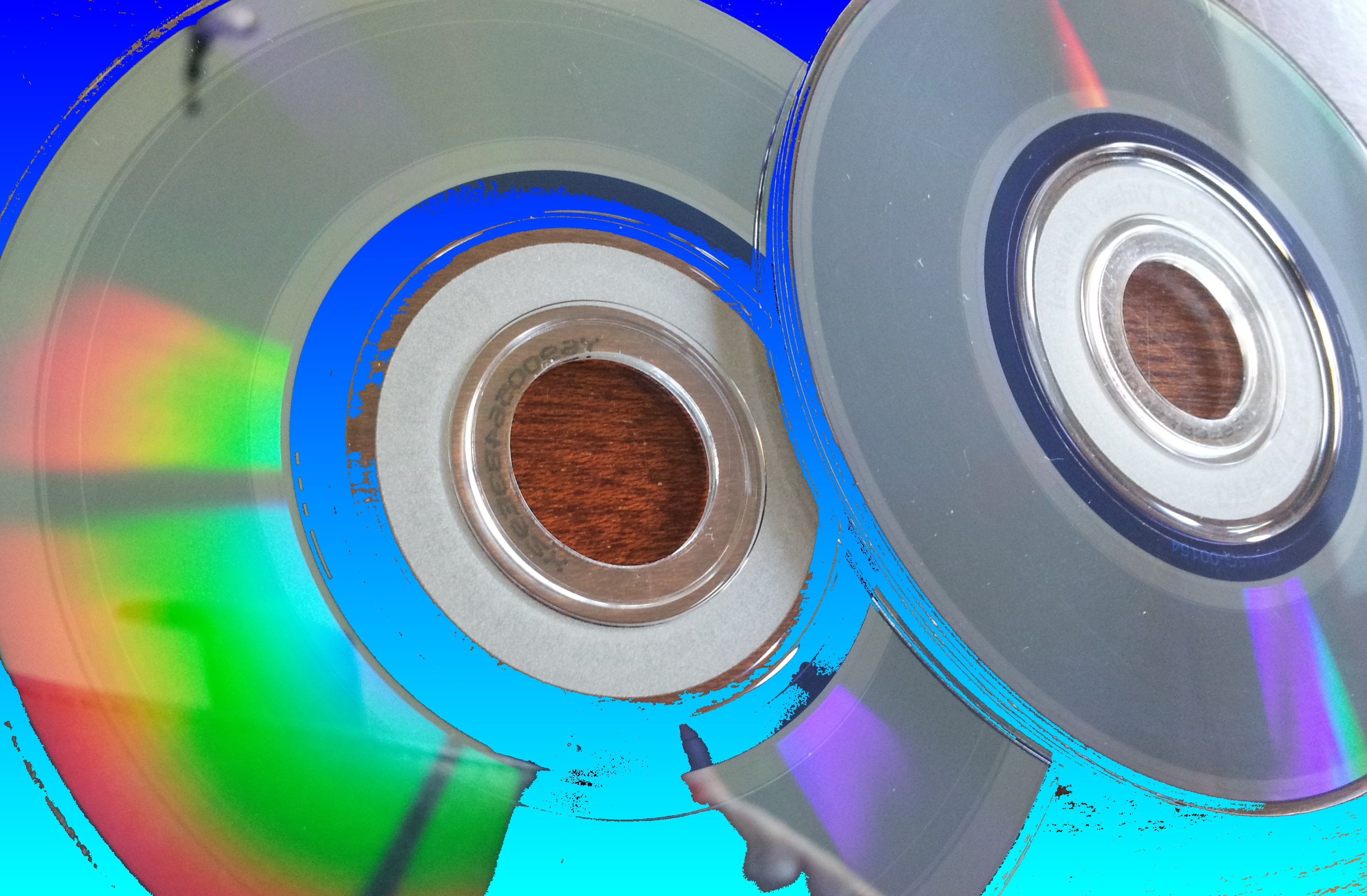 A pair of Mini DVDs that had recordings on them but had not been finalised. Therefore the disks would not play the movies, and the customer needed them recovering.
